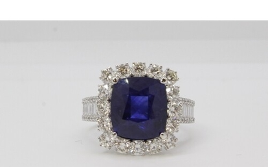 18ct gold large cushion shaped sapphire and diamond cluster ...