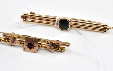 A SAPPHIRE BAR BROOCH IN GOLD, 5.5GMS (TOTAL LENGTH 50MM), TOGETHER WITH AN ANTIQUE AUSTRALIAN PASTE SET BAR BROOCH IN 9CT GOLD, 2.1...