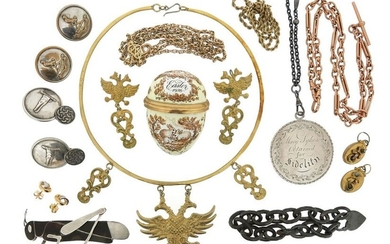 A mixed group of jewellery, including a 9ct...