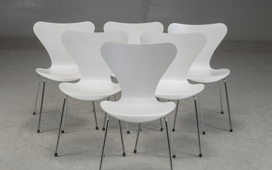 Arne Jacobsen. A set of six chairs model 3107 (6)