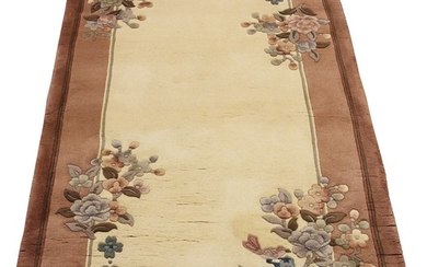 CHINESE HAND WOVEN WOOL RUG