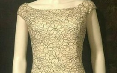 Christian Dior White Floral Lace Short Sleeve Dress