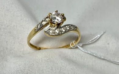 Gold ring 18k with diamonds