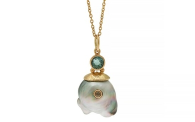 Natascha Trolle: A pearl-, tourmaline- and diamond necklace set with a cultured Tahiti pearl, a tourmaline and a diamond, mounted in 18k gold. L. 40 cm.