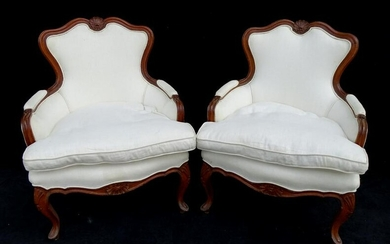 PAIR OF LOUIS XV STYLE UPHOLSTERED BERGERES