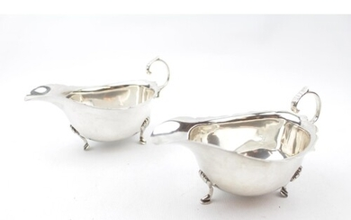 Pair of George V Silver Sauce Boats of Georgian design on pa...