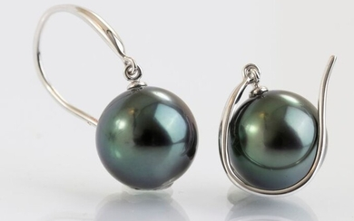 14 kt. White Gold - 10x11mm Round Peacock Green Tahitian Pearls - Earrings