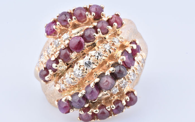 14 kt. Yellow gold - Ring - 4.93 ct Ruby - Diamond