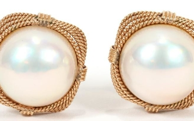 14KT YELLOW GOLD,WHITE MABE PEARL EARRINGS