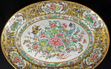 "Charger (1) - Chinese export, Famille rose - Porcelain - Flowers - Large Chinese Porcelain 1000 Butterfly 15 1/2"" Oval Platter 19th C - China - Late 19th century"