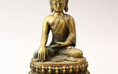 A 19TH / 20TH CENTURY BRONZE FIGURE OF A SEATED BUDDHA
