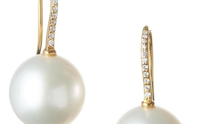 A PAIR OF SOUTH SEA PEARL AND DIAMOND DROP EARRINGS IN 18CT GOLD, THE NEAR ROUND PEARLS MEASURING 12.5MM, TO SHEPHERD HOOK FITTINGS,...