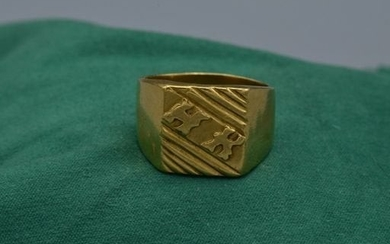 HK Yellow Gold Ring in 18 Karat Yellow Gold