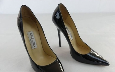 Jimmy CHOO. Anouk pumps in black lacquer. In...