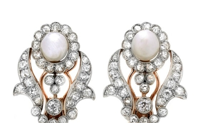 Pair of earrings in yellow gold, platinum, diamonds and natural pearls