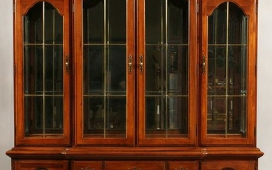 THOMASVILLE, CHERRY CHINA CABINET