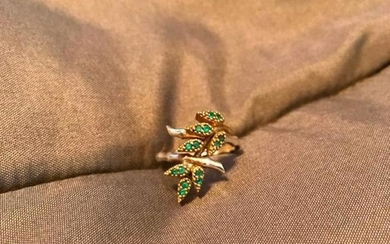 Vintage Sterling Silver & Emerald Bamboo Leaves Ring