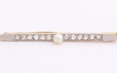 Yellow gold bar brooch, 750/000, with pearl and