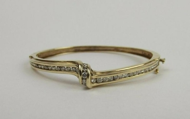 9ct Yellow Gold 1.5 CTW Diamond Hinged Bangle