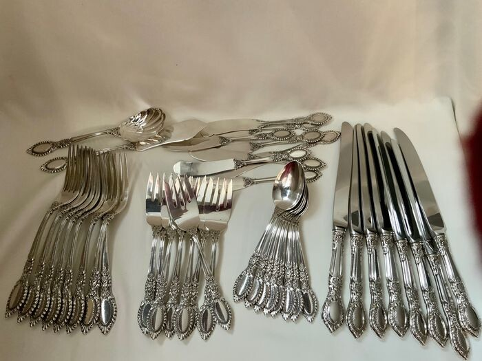 Cutlery set, Sterling silver cutlery part set Guildhall Pattern 1941 (42) - .925 silver, Sterling silver filled handle and steel blades knifes - Reed & Barton USA - U.S. - Early 20th century
