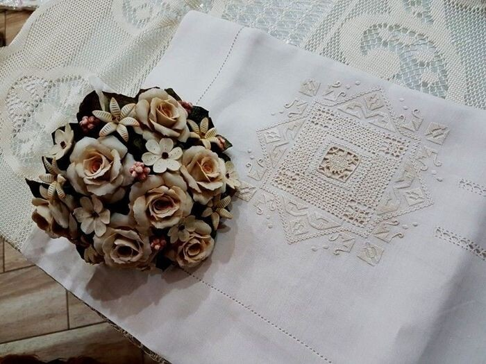 Double bed sheet in pure linen with hand needlepoint embroidery - 265 x 280 cm - Linen - 21st century