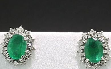 NO RESERVE PRICE - 18 kt. White gold - Earrings - 2.90 ct Emerald Diamond Stud Earrings Intense Green ALGT Expertise