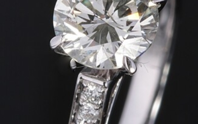 Ring with brilliant cut diamonds 1.24ct