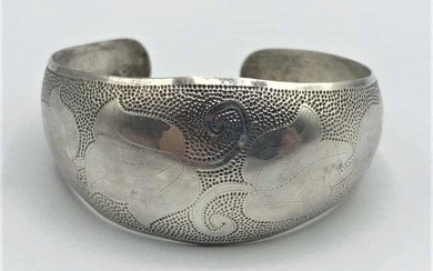 STERLING SILVER Hand Tooled Tulips Cuff Bracelet