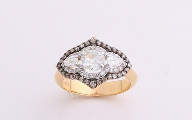 Special yellow gold ring, 750/000, with diamonds. Ring