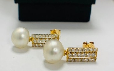 14ct Yellow Gold Pearl and Diamond drop earrings...