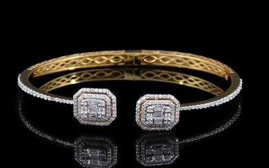 1.65 TCW HI/SI Diamond Cuff Bangle Bracelet 18k Gold