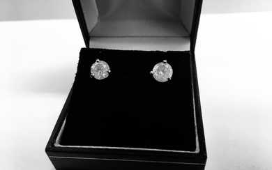 2.00ct Solitaire diamond stud earrings set with brilliant...
