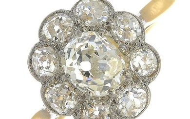 A diamond cluster ring.Estimated total diamond weight
