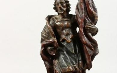 A 17TH/18TH CENTURY SMALL CARVED WOOD STANDING FIGURE