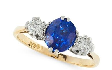 A SAPPHIRE AND DIAMOND DRESS RING in 18ct yellow gold