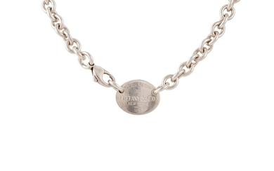 A SILVER NECKLACE, stamped