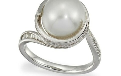 A SOUTH SEA CULTURED PEARL AND DIAMOND RING The