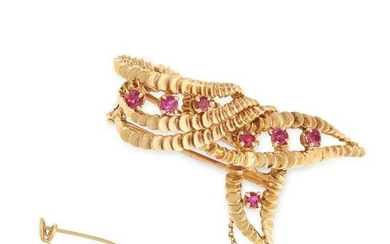 A VINTAGE RUBY BROOCH, BOUCHERON in 18ct yellow gold