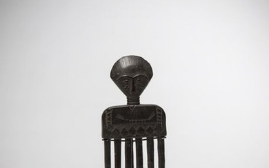 ATIE, Ivory Coast. Six-toothed comb, finely carved. Geometric...