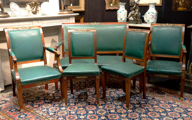 Antique five-piece Empire style salon suite in acajou with typical decorated bronze fittings |||antique 5pc Empire style salon suite in mahogany with mountings in guilded bronze