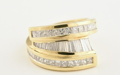 Diamond, 18k Yellow Gold Ring.