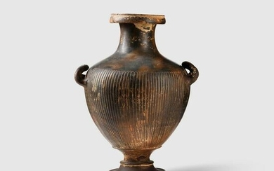 GNATHIAN WARE HYDRIA SOUTHERN ITALY, C. 3RD CENTURY