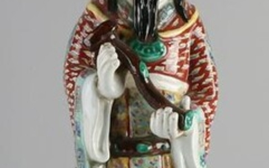 Large Chinese porcelain wiser with scepter. Floral +
