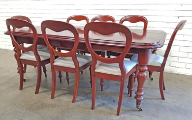 Mahogany Extension Dining Table with Single leaf and 8 Chairs (h:72 x w:143 x d:113cm)