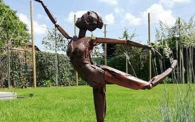 Sculpture - Phenomenal sculpture of a dancer