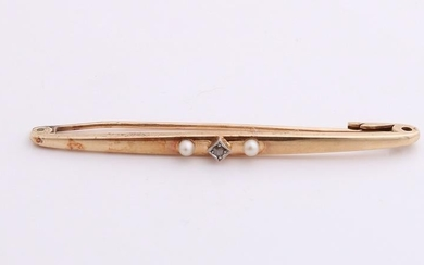 Yellow gold brooch, 585/000, with pearl. Rod Brooch in