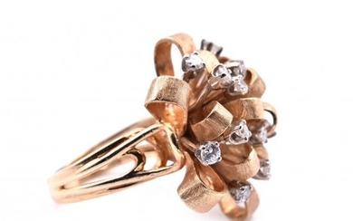 14k Yellow Gold Vintage Diamond Ribbon Flower Ring