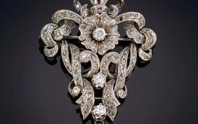 50'S YEAR OLD GARLAND OF RHINESTONE CURD FLOWER DESIGN HOLDING AN 11MM DIAMETER CULTURED PEARL. Frame in 18k white gold. Output: 300.00 Euros. (49.916 Ptas.)