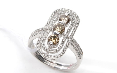 A COGNAC AND WHITE DIAMOND RING IN 18CT WHITE GOLD