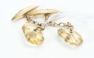 A PAIR OF FACETED CITRINE CUFFLINKS IN 9CT GOLD, 6.7GMS